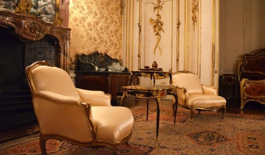 Stylowy fotel, Stylowe meble klasyczne