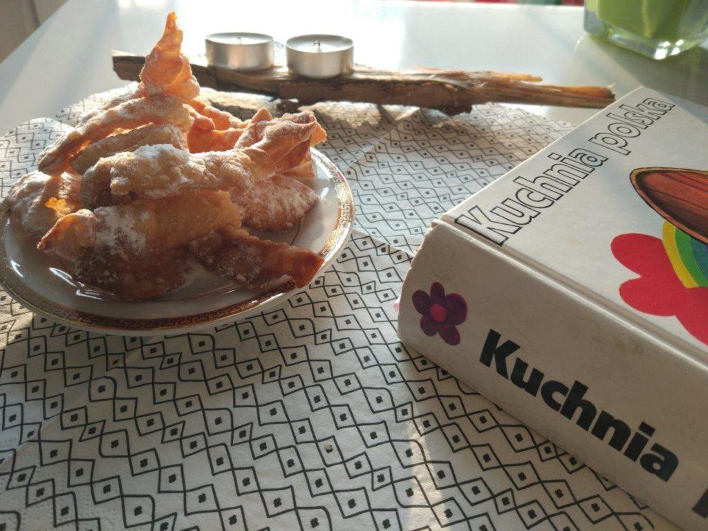 Faworki, Kuchnia Polska