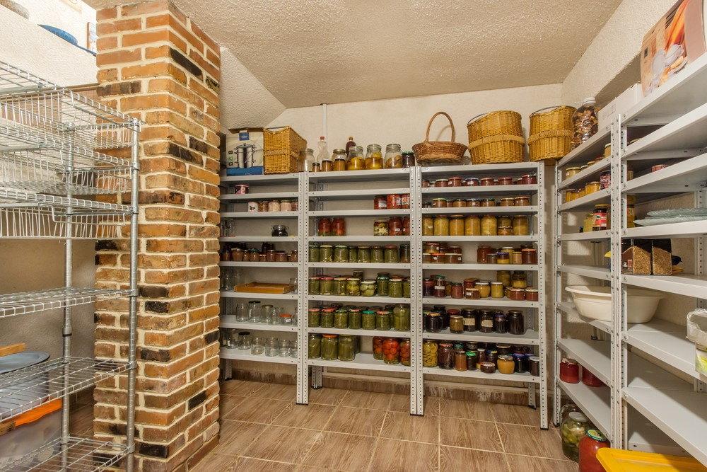 Jak zorganizować domową spiżarnię